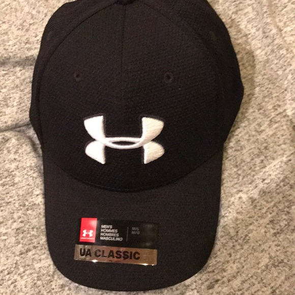 Men s M L Under Armour fitted hat 5cae53b19c1