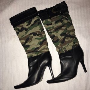 Shoes - Camo boots 7.5