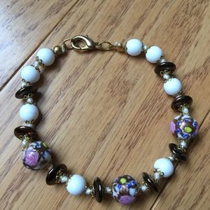 Jewelry - glass bead bracelet with a gold clasp