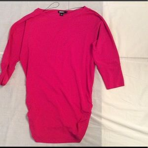 Fabulous stretchy hot pink DKNY top!