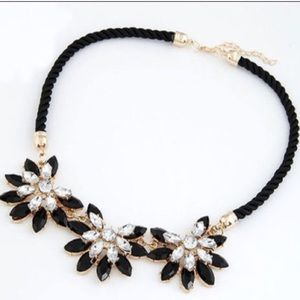 Jewelry - Black Diamond Flowers Necklace