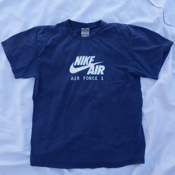 3dc7a04997da3 Vintage Nike Air Force 1 t-shirt