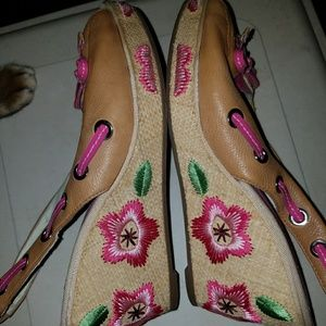 euc Sperry Wedge heels floral embroidery 8m