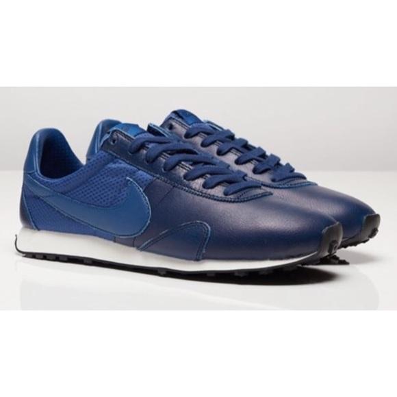 NWOB Nike Blue Pre Montreal Racer Pinnacle Running Shoe Size 6 839605-400