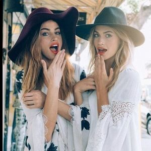 Accessories - Grey 💯 percent wool boho chic floppy hat!