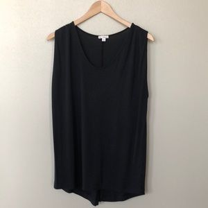 Tops - Sleeveless Black top