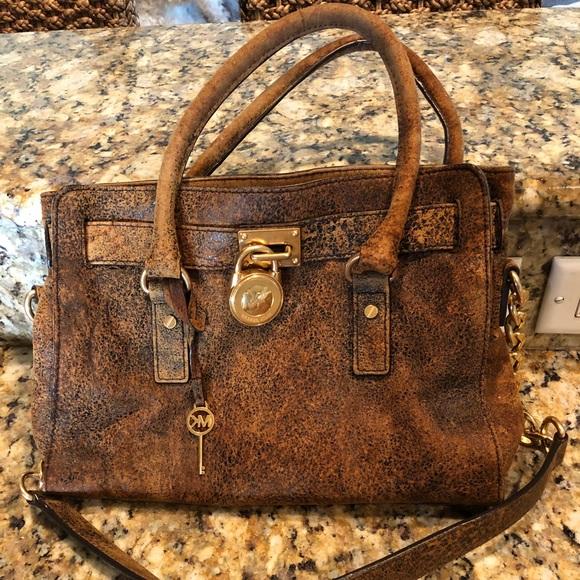 a96dd1736d62 Michael Kors Distressed Brown Leather Hamilton Bag.  M 5a25779f7fab3a53e20cdf3d