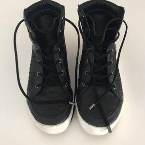 Joie Women's hightop sneakers size 6.5