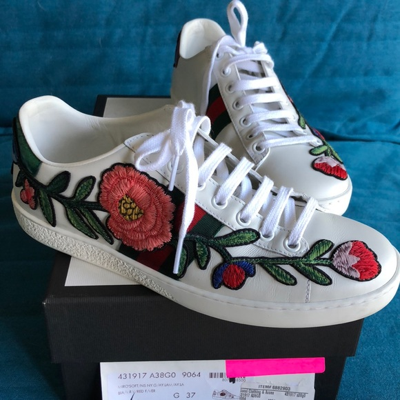ac7ee5fee66 Gucci Shoes - GUCCI New Ace Floral Embroidered Sneakers 37