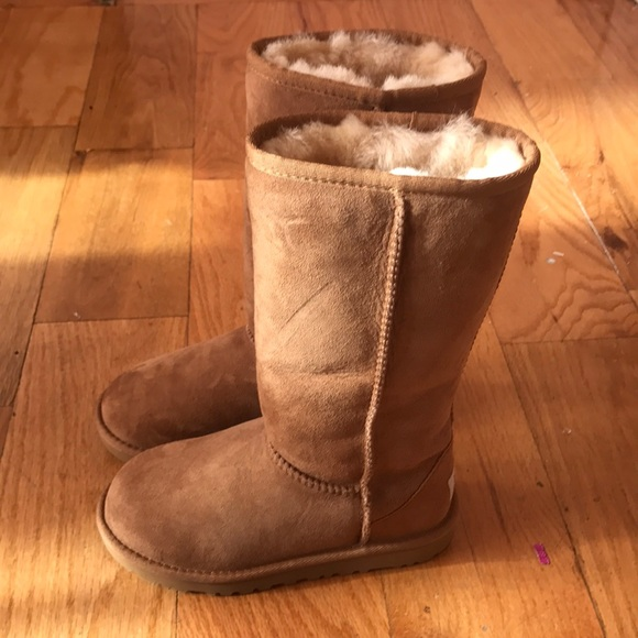 28f135f3afe MUST GO!! Send offers Little Kids Ugg size 13 New NWT