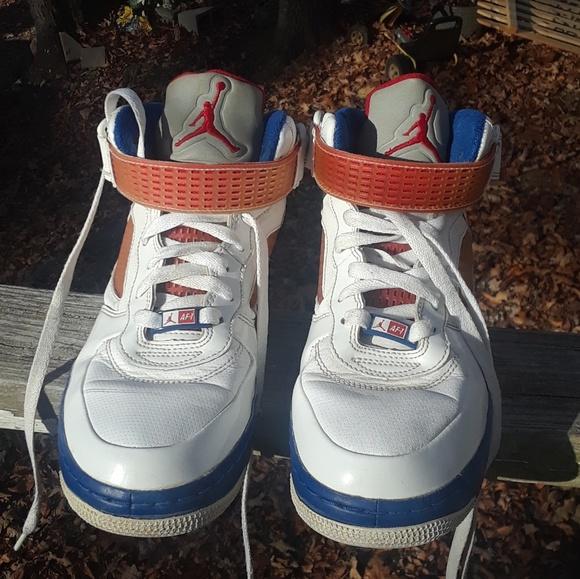 super popular 934ac 4f981 Nike Air Jordan 5 Retro Boy's Shoe's size 5.5y