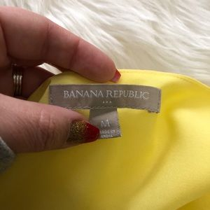 Banana Republic Tops - 3/$15 Banana Republic • Yellow White Tank