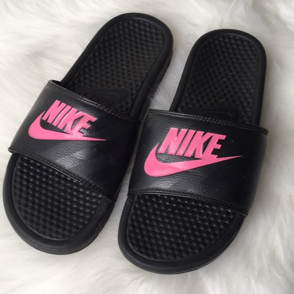6d5ea2e9f28d Nike Slides Black and Pink Logo Size 9US Used. M 5a25923ad14d7b2c700d1853