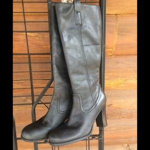 Ladies high heeled boots
