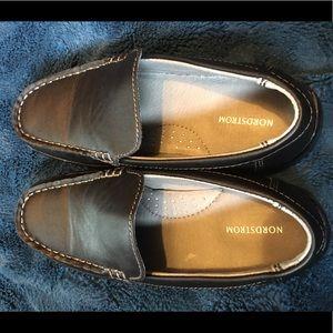 Boys shoes - 2m