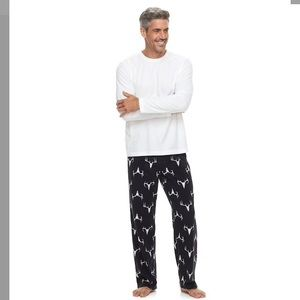 Other - Men's 2 piece solid tee & patterned lounge set