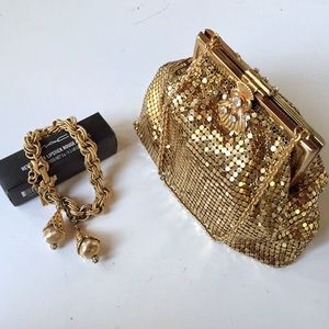 GOLD MESH EVENING BAG WITH RHINESTONE CLASP
