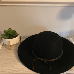 Black 100% Wool Hat NWOT
