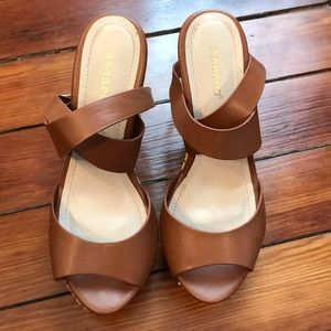 Tan wedges, gold accent wedges