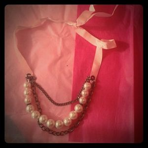Jewelry - FINAL SALE NWT giant pink pearl/ribbon necklace