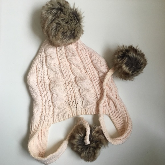 6722850e26306 GAP Accessories - • gap cable knit off white fur pom pom hat NWOT •