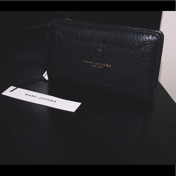 3b0e05d627c0 Bags | Nwt Marc Jacobs Empire City Compact Leather Wallet | Poshmark
