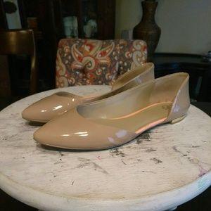 🎄🎅SALE!!! Ann Taylor-Nude Patent Flat