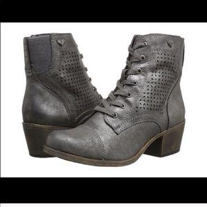 Roxy boots