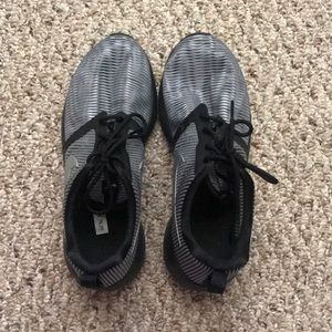Shoes - Nike tennis shoes! Never worn!