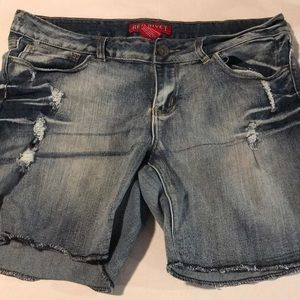 Red Rivet blue jean shorts