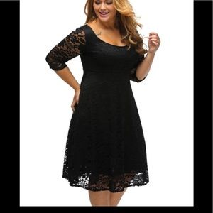 Dresses & Skirts - Floral lace black dress