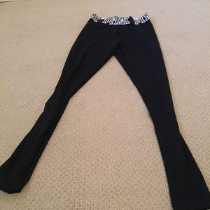 NWOT VS Pink Leggings size small