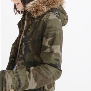 Sherpa Line Twill Parka Faux Fur Abercrombie  NWT