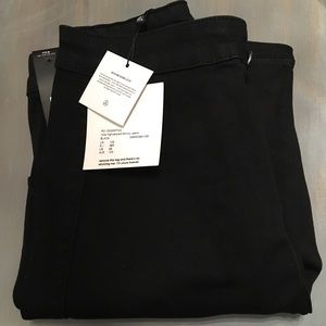 Brand new w/tags Misguided black skinny jeans US 6