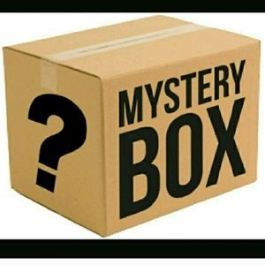 $25 mystery box! GUARANTEED 5 items or more