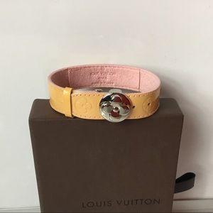 100%Authentic Louis Vuitton Beige Leather Bracelet