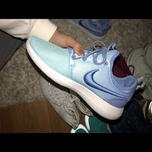 Nike Shoes - Nike Roshe 2 Blue Ombre Womens 8 5d48f54ed