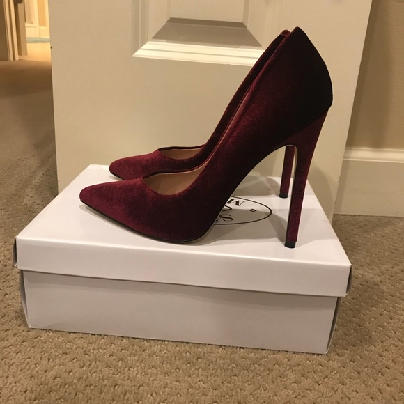 1f75c76f158 Steve Madden Wicket Pump in Burgundy