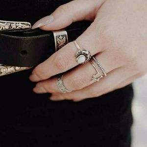 4 PCS Bohemian Vintage Silver Gypsy Moon Ring Set