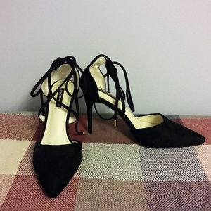 Aiko Sz 9/39 Black Suede Ankle Strap Pointed Pumps