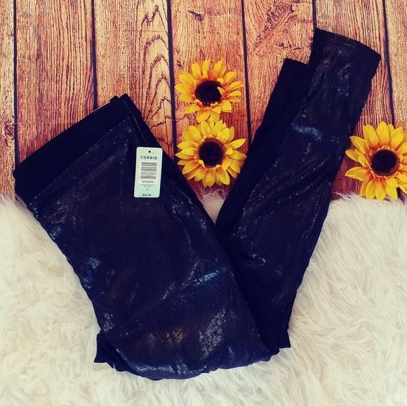 3353a401612b7 NWT Torrid black sequin leggings size 00(medium)