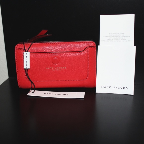 0e7610fd1b NWT MARC JACOBS Empire City Compact Leather Wallet.  M_5a274d4b2fd0b766050171f3