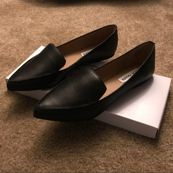 3ad91534c25 BRAND NEW-Steve Madden Women's Feather Loafer Flat