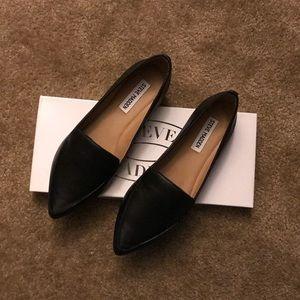 60426e6b111 Steve Madden Shoes - BRAND NEW-Steve Madden Women s Feather Loafer Flat