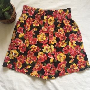 Vintage High Rise Floral Shorts, Size Small