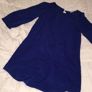 Long-sleeve blue dress