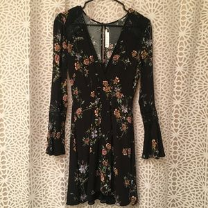 NWOT floral long sleeve dress