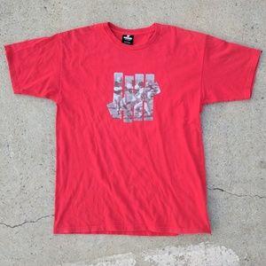 Undefeated football logo t-shirt