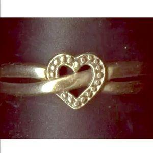 Jewelry - 10k y gold heart ring sz7.25, 1.37g