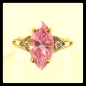 Jewelry - 10k Yellow Gold Marquise cut CZ w/Accents Ring